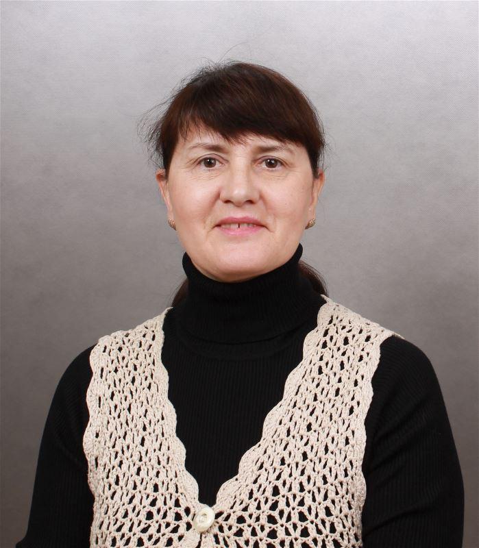 Домработница Элла Робертовна