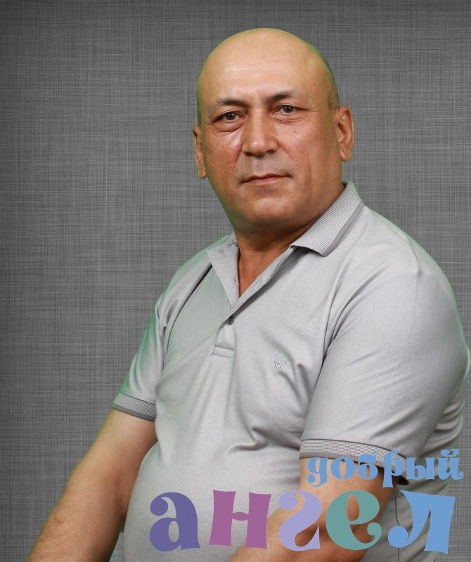 Садовник Акрам Гулямович