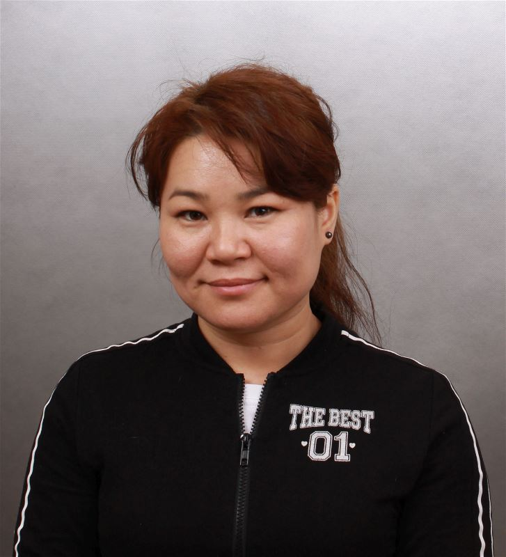 Домработница Насира Ушановна
