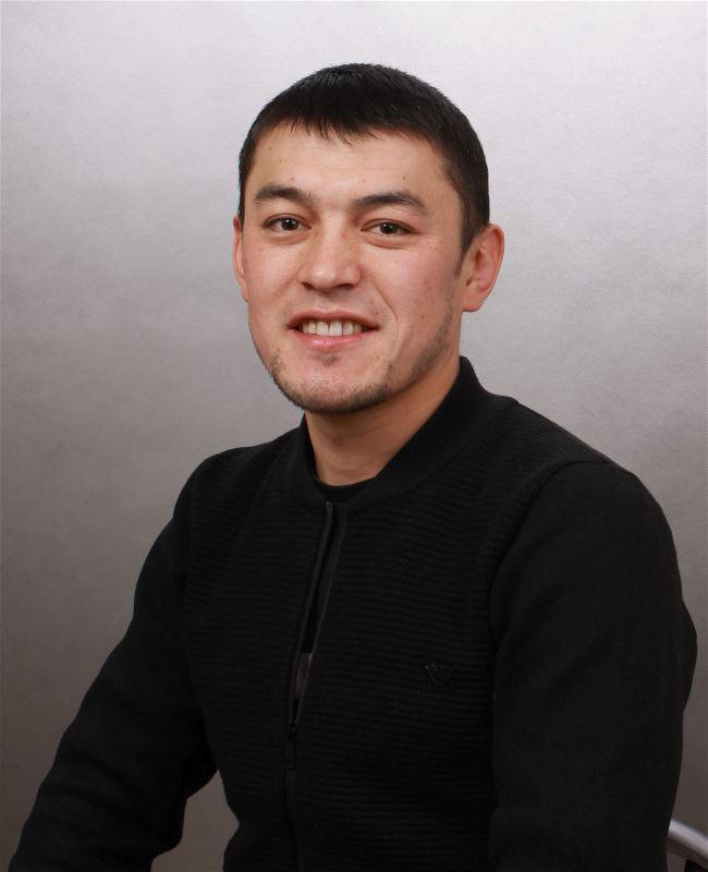 Помощник по хозяйству Илгиз Абдибайитович