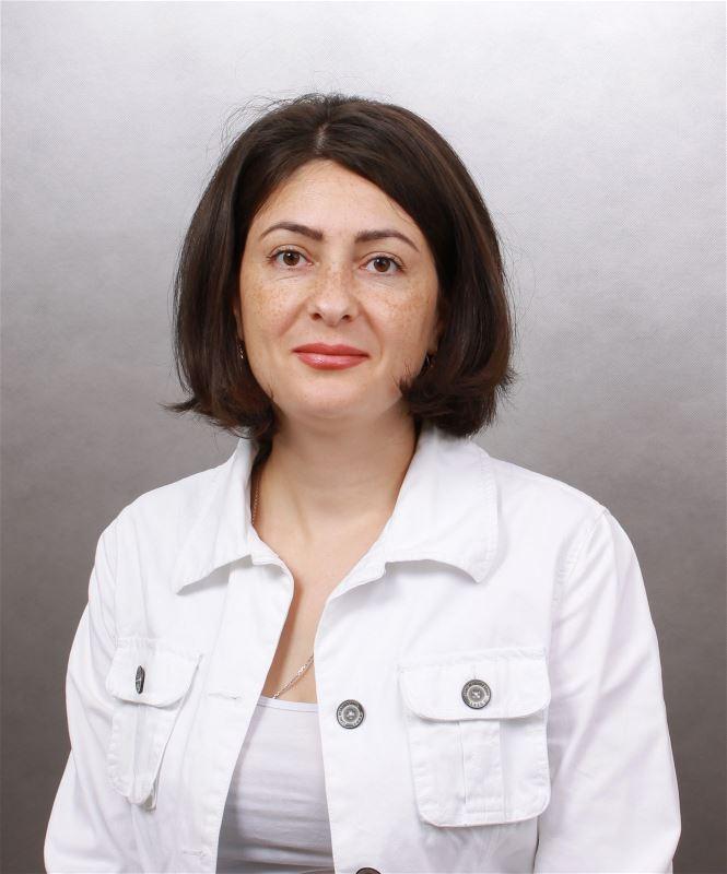 Домработница Лариса Георгиевна