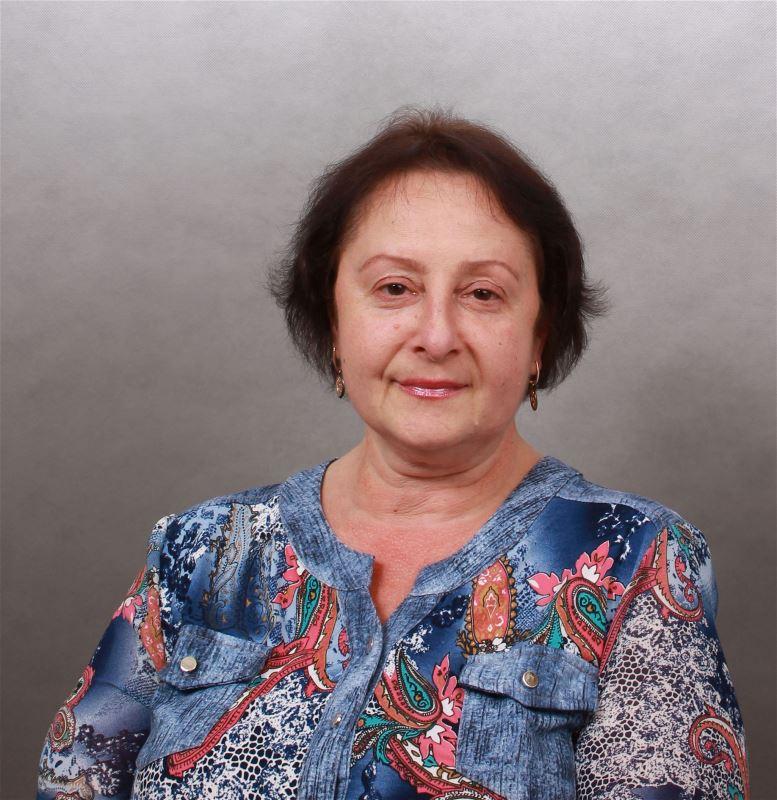 Домработница Людмила Леонидовна
