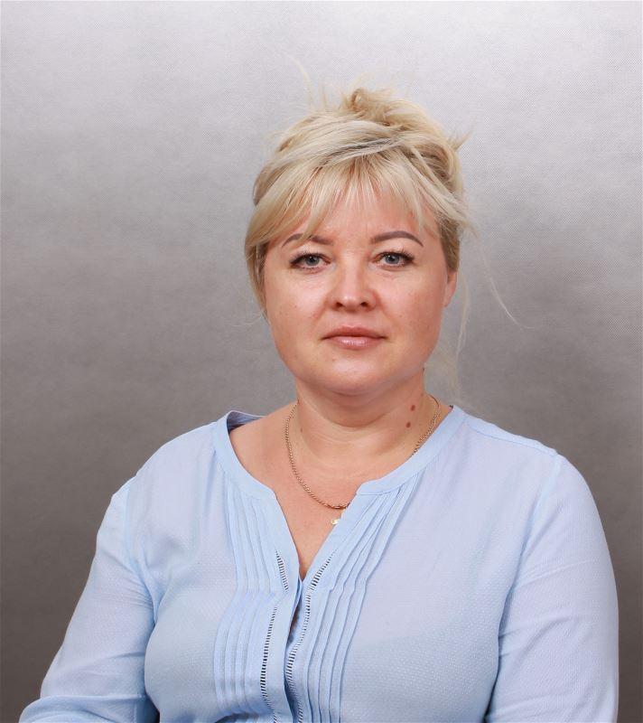 Домработница Лариса Ивановна