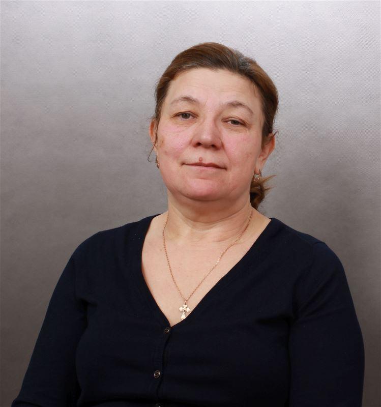 Домработница Анна Петровна